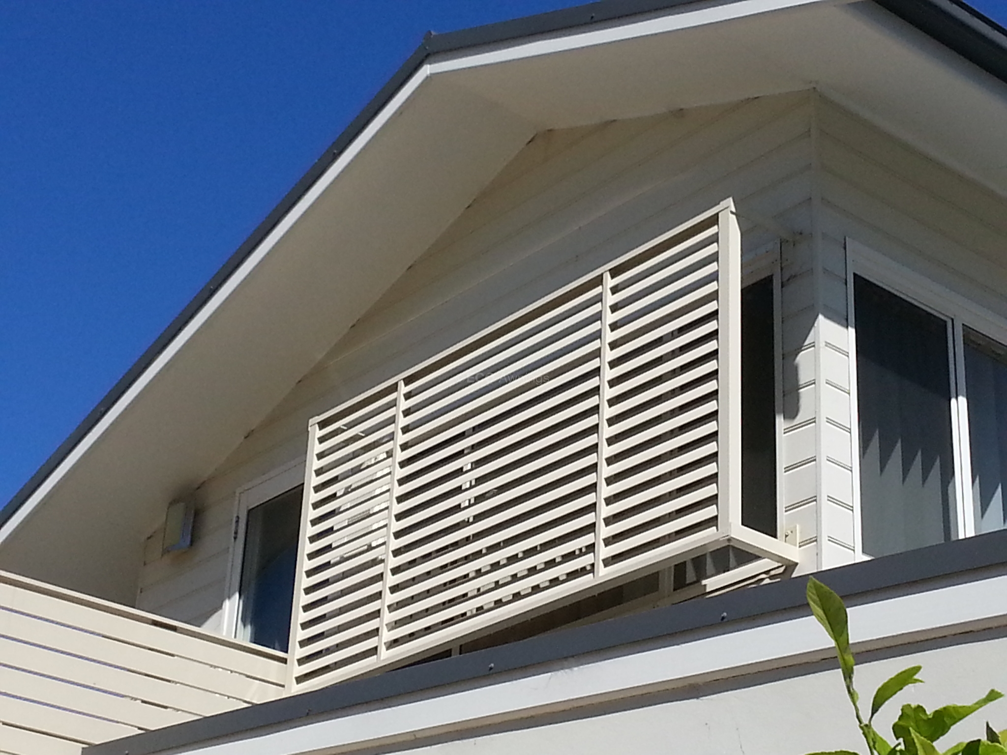 Privacy Screen Louvers With Standoff Legs Eco Awnings