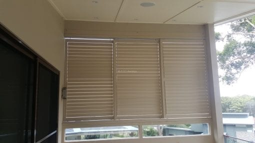 Louver with 85mm adjustable Blades 3 Panel that slided_close with blades open