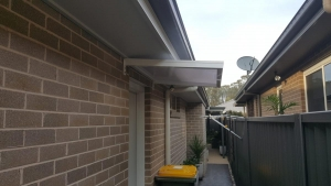 Slimline-50-Canterlever-twin-wall-Polycarb-awnings